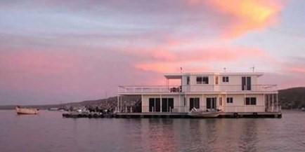 kraalbaai houseboats