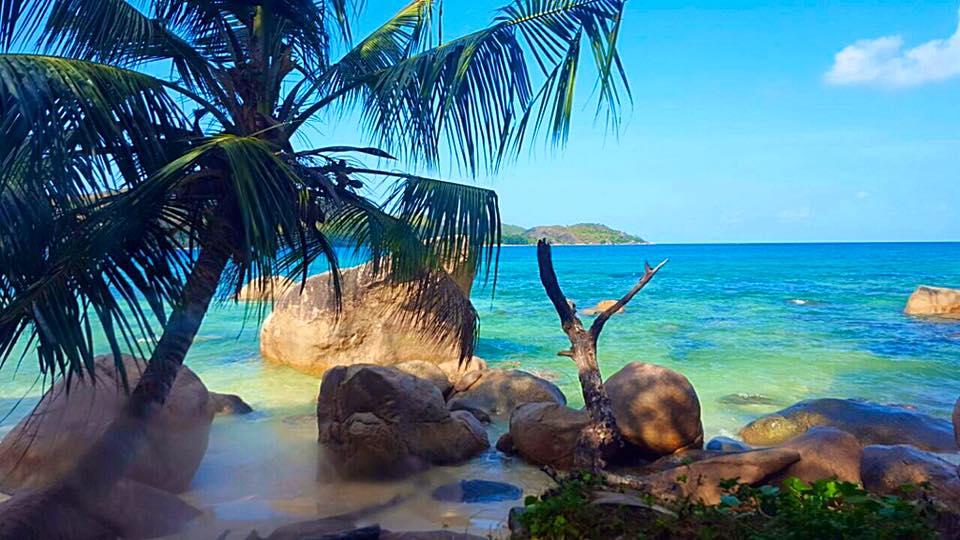 beaches-praslin